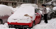 雪后车漆留痕要怎样处理呢?