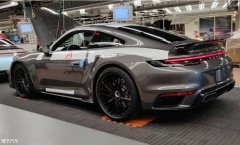全新911 Turbo实车图曝光 外观更加凶悍